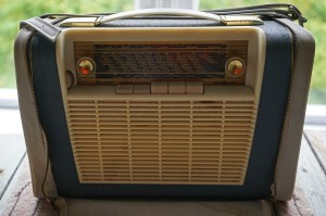 portable-radio-931428_1920